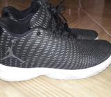 Zapatillas Jordan. Talla 10 1/2