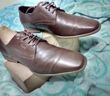 Zapatos de Vestir color caféVELEZ talla 42 o 10 americano Precio: 49