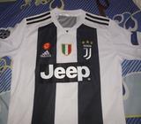 Sueteres de Juventus