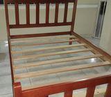 Cama doble de madera nueva cedro amargo muy firme