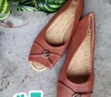 MK zapatos SOLO TALLA 7 y 9 abierto en la punta