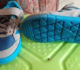 Vendo Zapatillas Y Zapatos para Niños