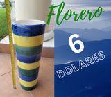 Florero Adorno Decorativo de Porcelana con Franjas Violeta Amarillo Verde