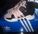 Zapatillas Adidas Nuevas de Niña