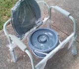 silla de ruedas, bano y servicio