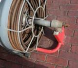 Plomero independiente, trampa de fregador, ducha, trompo eléctrico