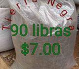 Tierra Negra para sus plantas $7.00 el saco