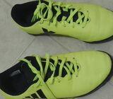 En venta zapatillas de fútbol
