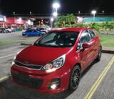 Sedan KIA Río Hatchback, 5 pasajeros $7,000 NEGOCIABLE año 2015